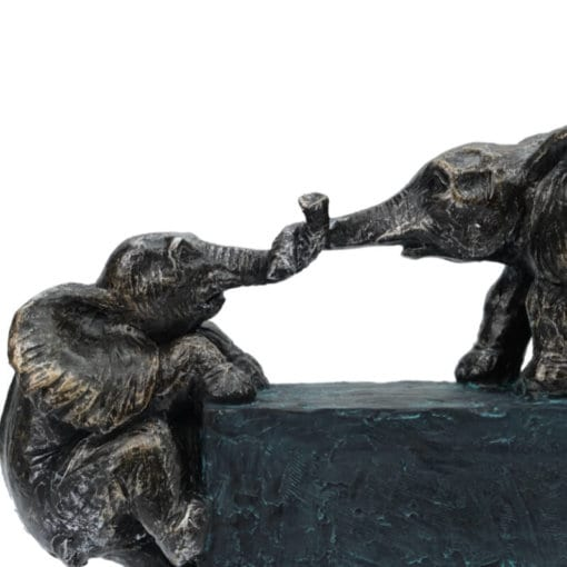 EFT-483-Elephant-Family-Ties-pic-2