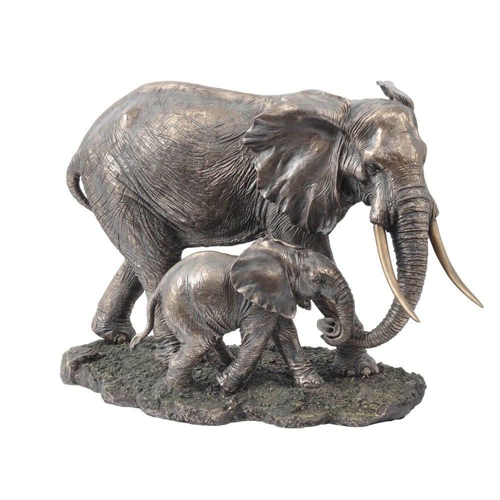 337582. mum and baby elephant